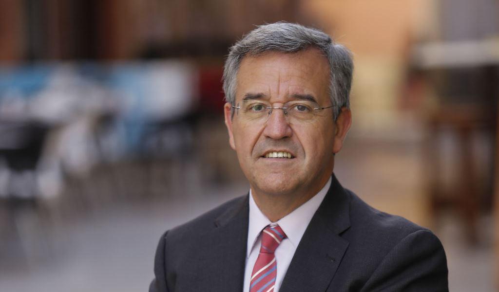 Der Bürgermeister José María García Urbano, Estepona